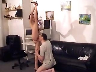 Crazy Hook-up With A Real Flexi Contortionist